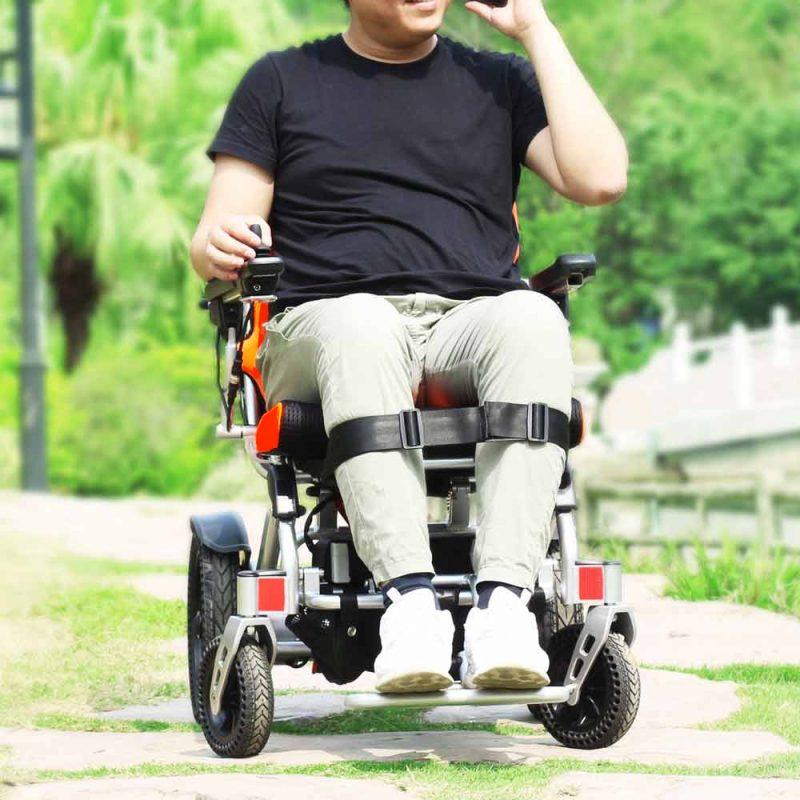 powered-folding-wheelchair